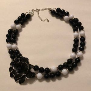 Black/white beaded flower necklace
